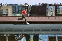 Skeme running on top of subway, Bronx, NYC